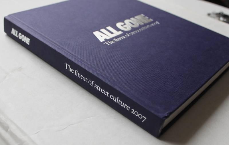 All Gone 2007 Book Colette La MJC Supreme Kaws - photo 2/5