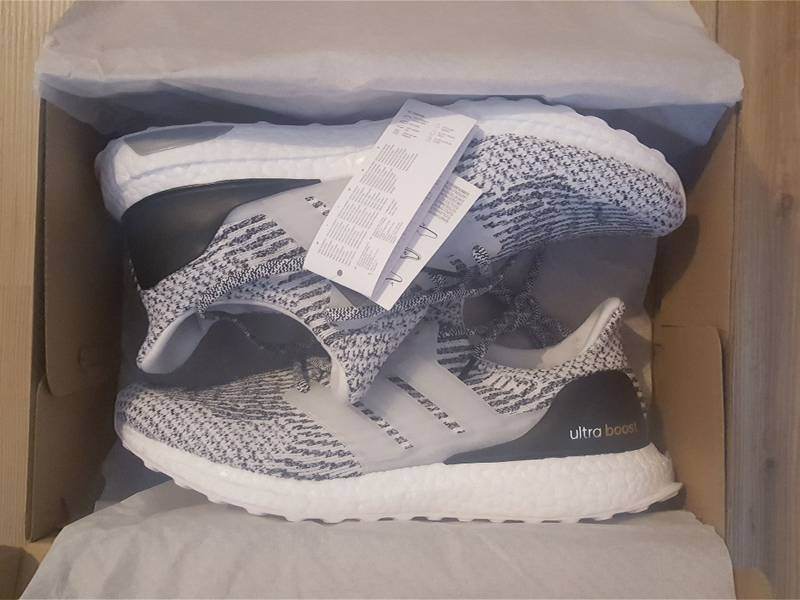 ARE THESE YEEZY 'S! ADIDAS ULTRA BOOST 3.0 OREO / ZEBRA