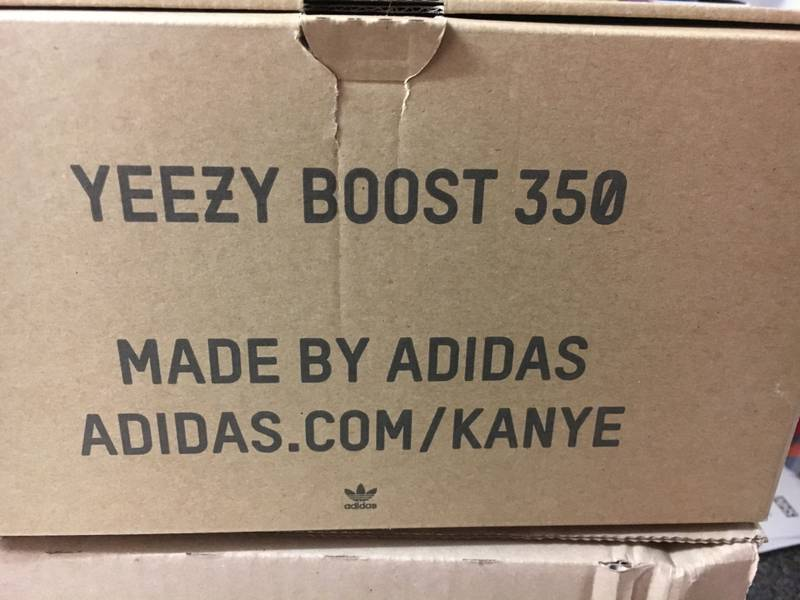 Men's Adidas Yeezy 350 Boost V2 UK9 Brand New Boxed - photo 1/7