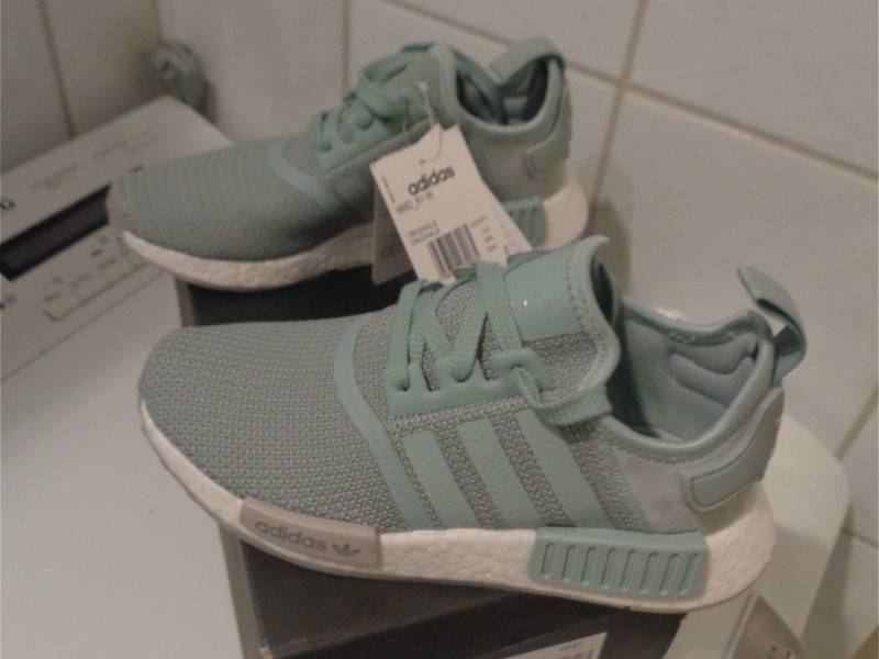 NEW Adidas NMD W R1 F36 US5 JD Sportx excl. Teal grey bluegreen CQ1877 - photo 2/5