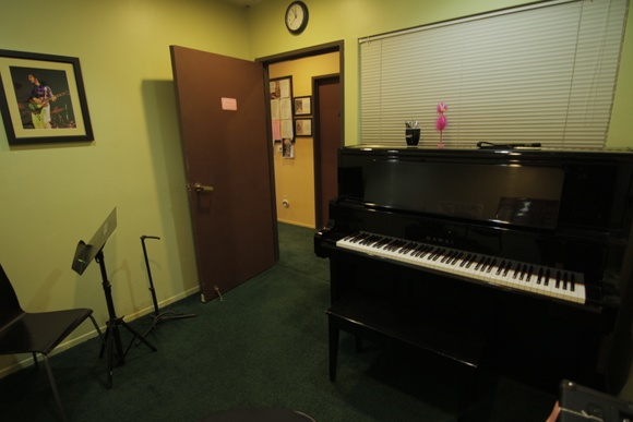 Music Lesson Classroom. Business Hours: Mon-Fri (11AM to 8pm), Sat (11AM to 8PM), Sun (12PM to 6PM). Allows closedown for extra pay.