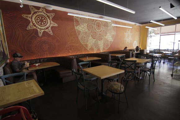 Indian Restaurant 1 floor - main space, kitchen, front space with benches. Allows closedown for extra pay.