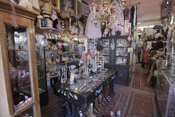 Vintage store. 1 floor. Full of antique, and trendy items from different eras. Store can be rearranged depending on the need of the production.