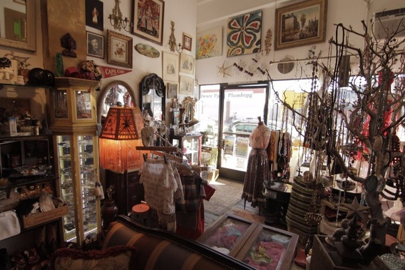 Vintage store. 1 floor. Full of antique, and trendy items from different eras. Store can be rearranged depending on the need of the production. Business Hours: Wed-Sat (1PM to 7PM), Sun (11AM to 4PM). Allows closedown for extra pay.