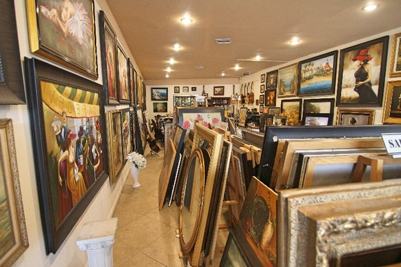 Business Hours: Mon-Sat 9am-7pm. / Sun Closed. It allows close down for an extra fee.