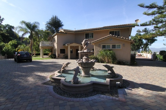 IMPORTANT: 2 days minimum required to book. 3 Floor, 5 Bedroom, 5 Bathroom House. Newly remodeled single family home gated with spectacular view with pool and huge yard.