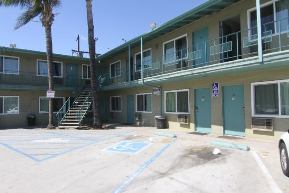2 Story, 76 Rooms Motel. Room types vary. Not available for shooting on Friday and Saturday.