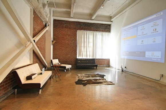 Creative Loft in the heart of DTLA available for filming. Lots of natural light and high ceilings.