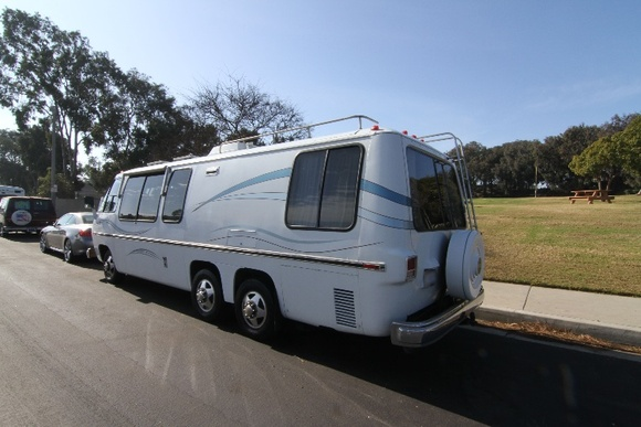 Model Palm Beach, 26. PLEASE NOTE: if you need the RV to be delivered to you - delivery fees apply depending on time and distance. A parking permit is available for $10 per day for state beaches. The motorhome sleeps 4, 1 bathroom inside.