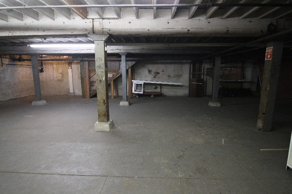 Basement. There is an elevator available. For crews higher than 40 people total the rate will be negotiable.