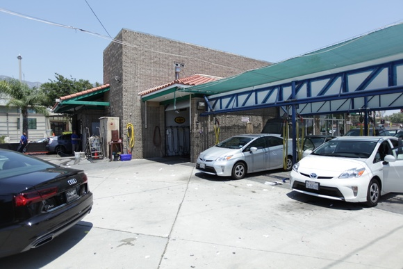 Car wash. Business Hours: Mon-Fri (9AM to 6PM), Sat and Sun (8AM to 6PM). Allows closing down for extra pay. Includes vacuum area, car wash, oil change area, store space.