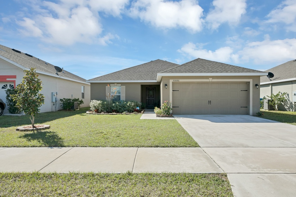 Exterior photo for 30886 Satinleaf Run Brooksville fl 34602