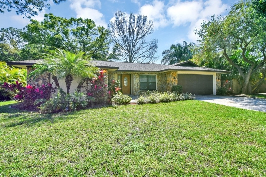 Exterior photo for 3045 Pin Oak Dr Clearwater fl 33759
