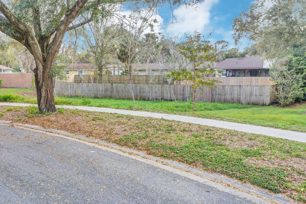 Exterior photo for 1020 Taproot Drive WINTER SPRINGS fl 32708