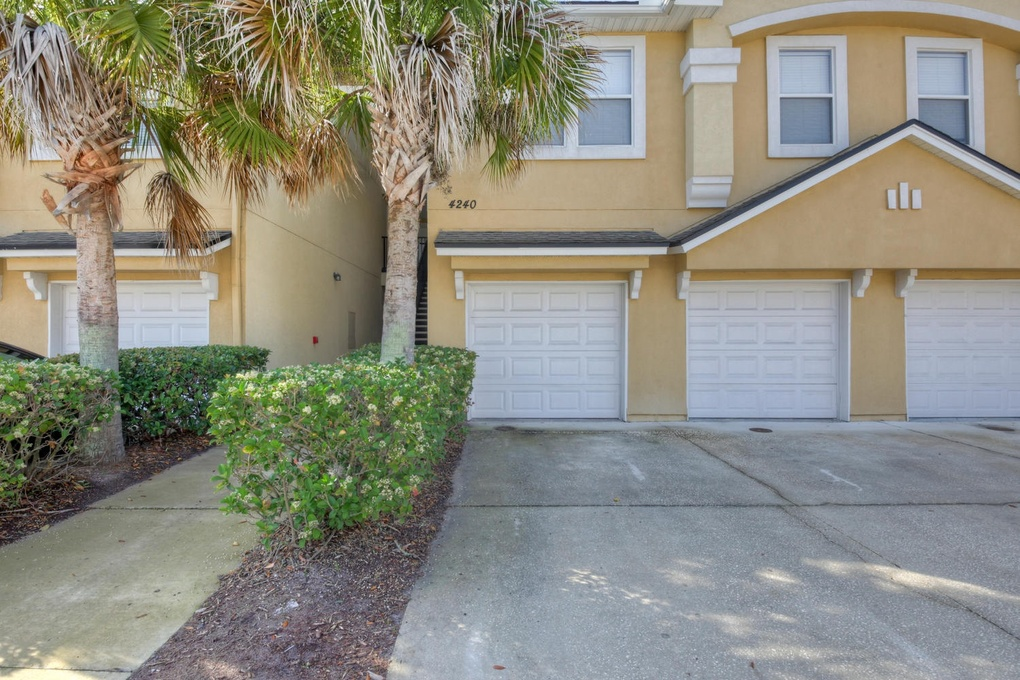 Exterior photo for 4240 MIGRATION DR 9 7 JACKSONVILLE fl 32257