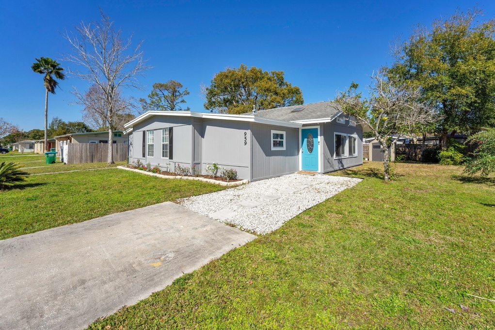 Exterior photo for 959 Shorecrest Avenue Deltona fl 32725
