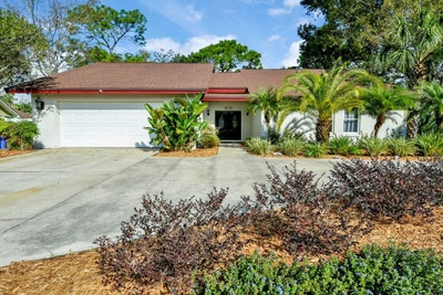 Exterior photo for 4303 Middle Lake Dr Tampa fl 33624