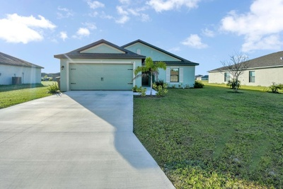 Exterior photo for 158 Shadow Lakes Dr Lehigh Acres fl 33974