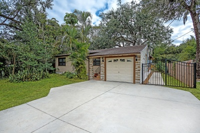 Exterior photo for 311 S Hampton Ave Orlando fl 32803