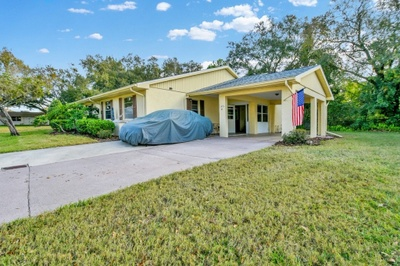 Exterior photo for 1801 B Fox hunt Dr Sun City Center fl 33573