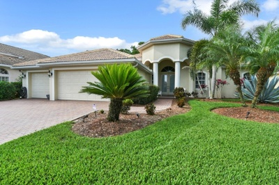 Exterior photo for 7514 Camden Harbour Dr Bradenton fl 34212