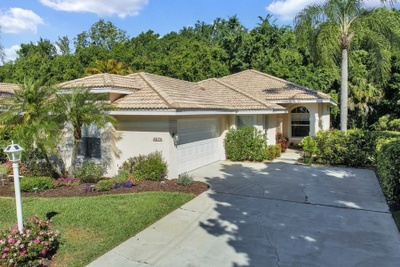 Exterior photo for 6674 Oakbrooke Cir Bradenton fl 34202