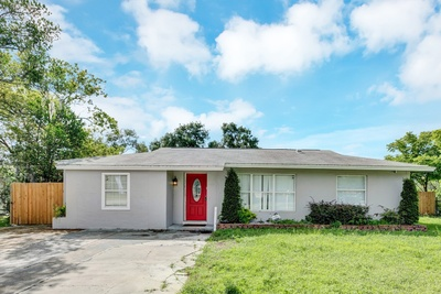 Exterior photo for 1233 Deltona Blvd Deltona fl 32725