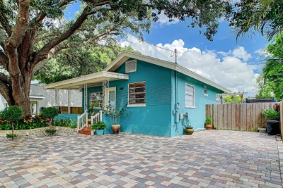 Exterior photo for 3309 W Saint John St Tampa fl 33607
