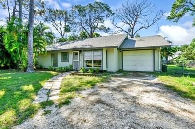 Exterior photo for 171 Cornell Road Venice fl 34293