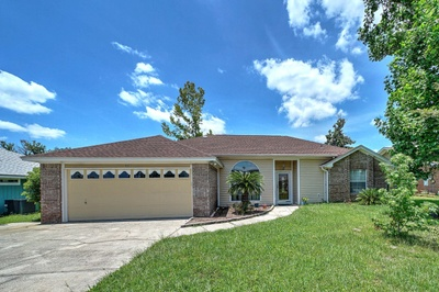 Exterior photo for 8111 Heritage Woods Ln Panama City fl 32404