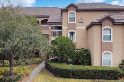 Exterior photo for 14049 Fairway Island Orlando fl 32837