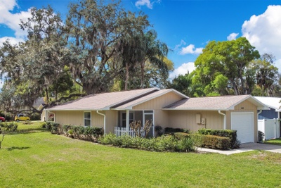 Exterior photo for 440 E 11th Ave Mount Dora fl 32757