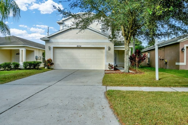 Exterior photo for 8034 Carriage Pointe Dr Gibsonton fl 33534