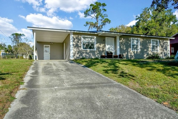 Exterior photo for 652 Candyce Ave Lakeland fl 32815
