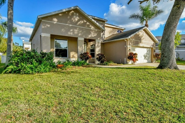 Exterior photo for 101 41st St NE Bradenton fl 34208