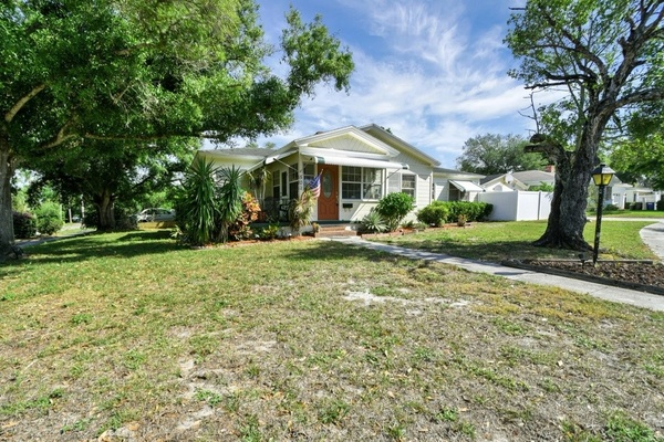 Exterior photo for 501 Mariva Ave Clearwater fl 33755
