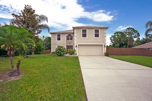 Exterior photo for 1527 Humphrey Blvd Deltona fl 32738