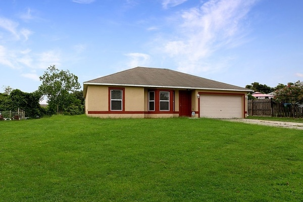 Exterior photo for 3148 Canby Dr Deltona fl 32738