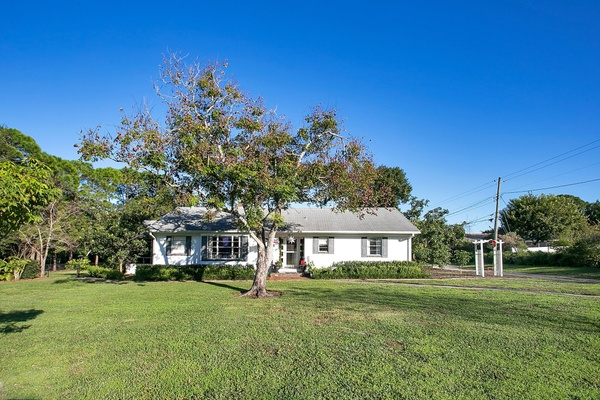 Exterior photo for 3800 Cleveland Heights Blvd Lakeland fl 33813