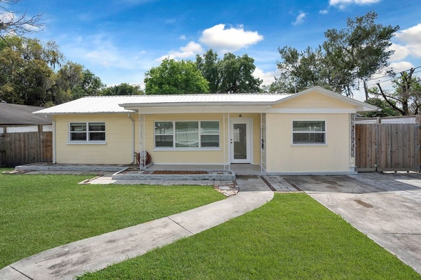 Exterior photo for 1032 West Orange Street Lakeland fl 33815