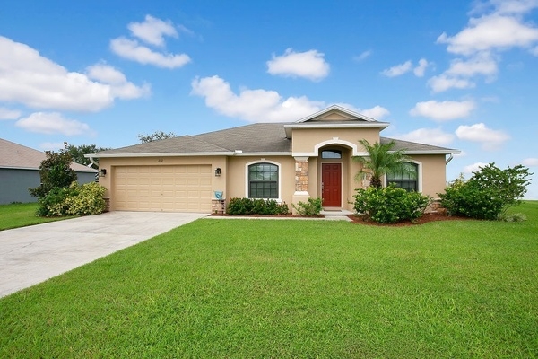 Exterior photo for 212 Oak Crossing Blvd Auburndale fl 33823