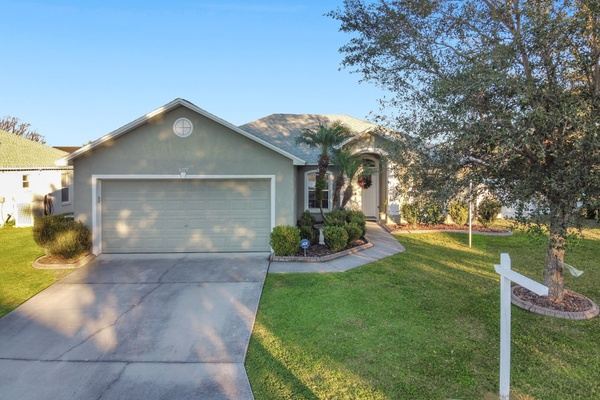 Exterior photo for 8279 Westmont Terrace Drive Lakeland fl 33810