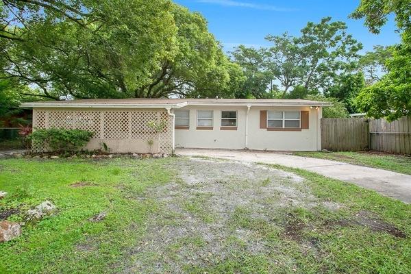 Exterior photo for 212 Woodmere Blvd Sanford fl 32771
