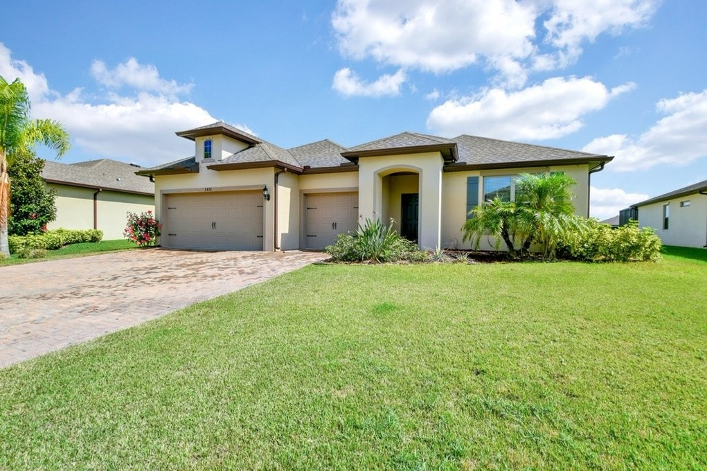 Exterior photo for 5832 112th Ave E Parrish fl 34219