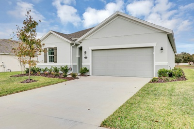Exterior photo for 128 Alexandria Cir Deland fl 32724