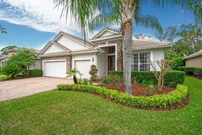 Exterior photo for 848 Wood Briar Loop Sanford fl 32771