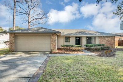 Exterior photo for 3328 Foxwood Dr Apopka fl 32703