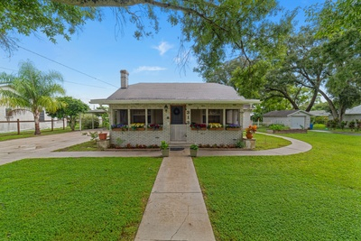 Exterior photo for 313 Gilbert St Eagle Lake fl 33839