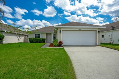 Exterior photo for 10836 Brown Trout Cir Orlando fl 32825