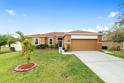 Exterior photo for 2414 Cogan Dr Palm Bay fl 32909